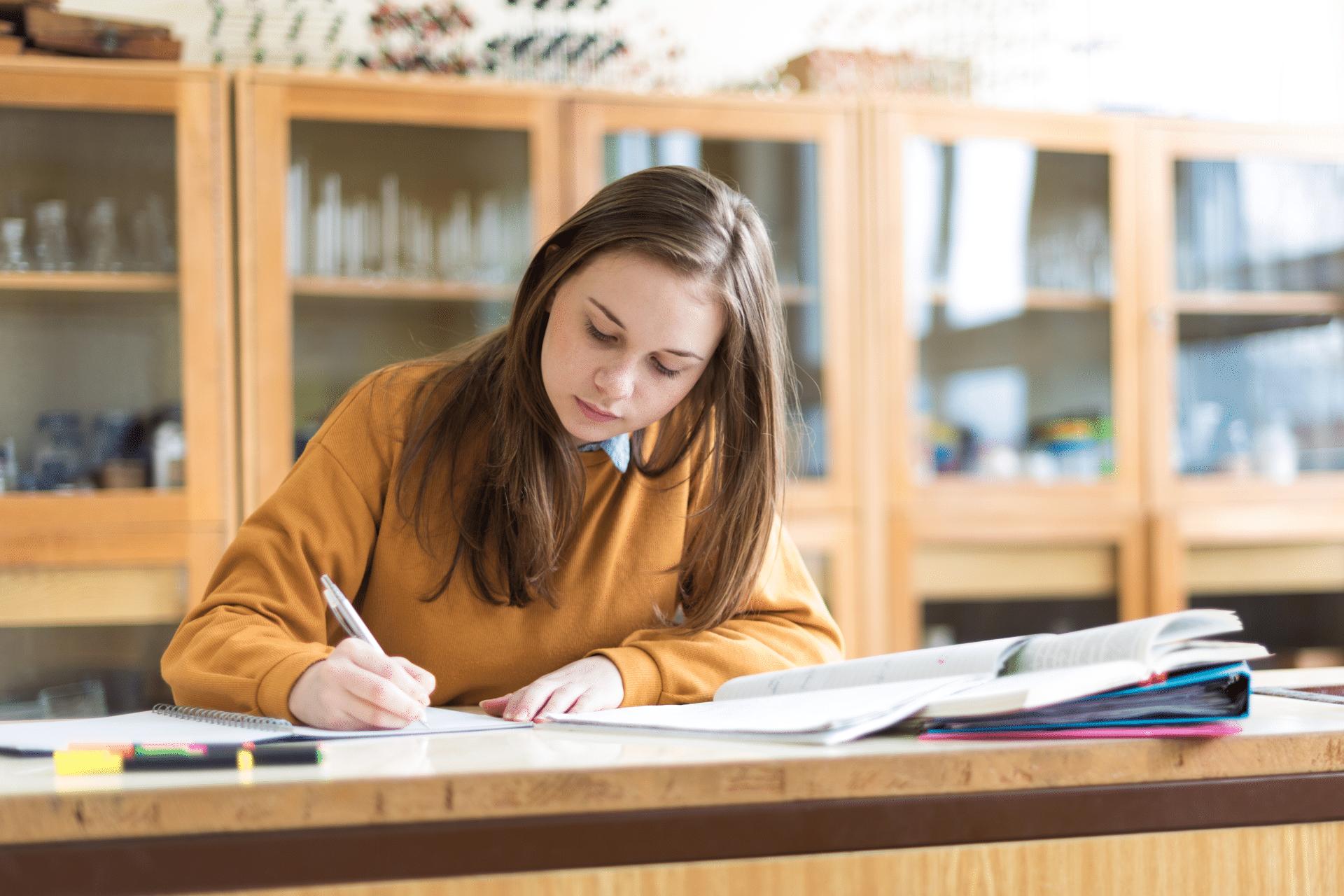 Student Academy Offre d'emploi : professeur d'anglais
